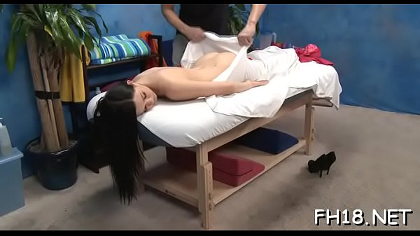 Hot girl, Girl shitting