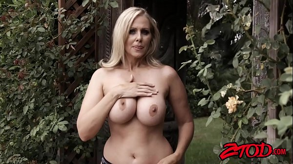 Julia, Julia ann, Big